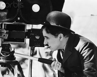 "Charles Chaplin durant le tournage de ""City Lights""."